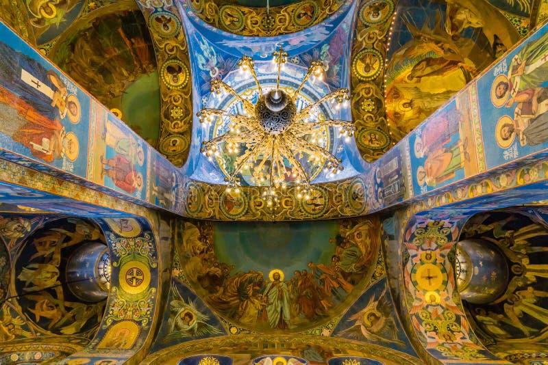 Εσωτερικό της εκκλησίας του Savior στο αίμα στοκ φωτογραφία