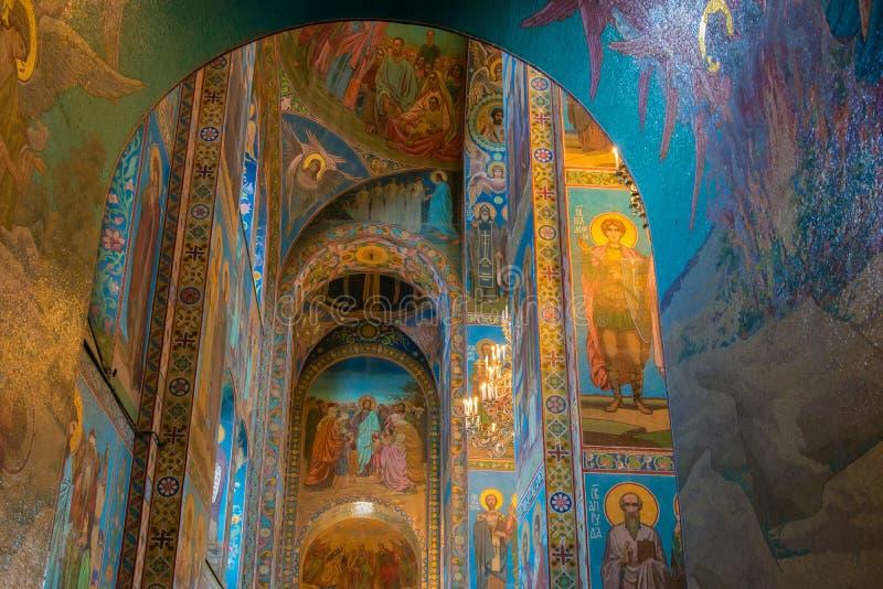 Εσωτερικό της εκκλησίας του Savior στο αίμα στοκ εικόνες