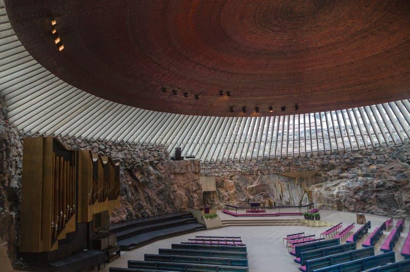 Εσωτερικό της εκκλησίας στο Ελσίνκι στοκ εικόνες