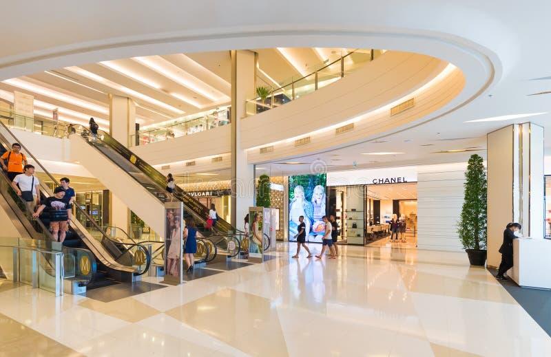 Εσωτερικό της λεωφόρου αγορών του Σιάμ Paragon, Μπανγκόκ, Ταϊλάνδη στοκ εικόνα με δικαίωμα ελεύθερης χρήσης