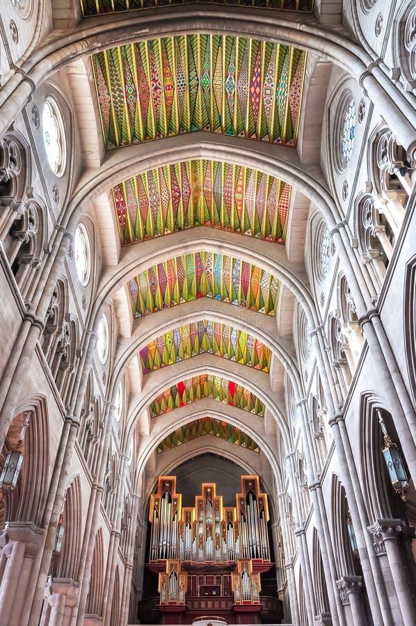Εσωτερικό του βασιλικού καθεδρικού ναού Λα Almudena, Μαδρίτη, Ισπανία στοκ εικόνα με δικαίωμα ελεύθερης χρήσης