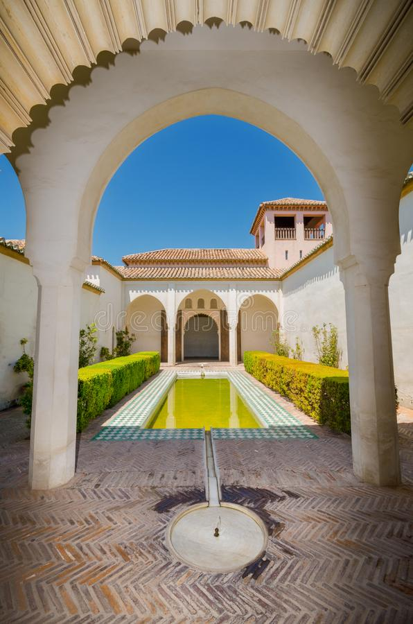 Εσωτερικό του διάσημου ορόσημου Μάλαγα Alcazaba στοκ εικόνα με δικαίωμα ελεύθερης χρήσης