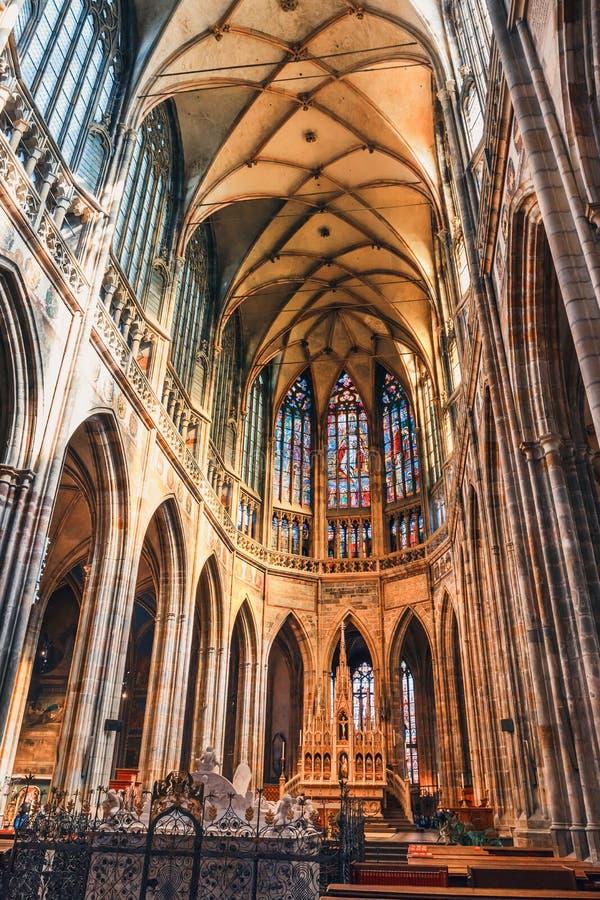 Εσωτερικό του καθεδρικού ναού του ST Vitus στο Κάστρο της Πράγας, Δημοκρατία της Τσεχίας στοκ εικόνες