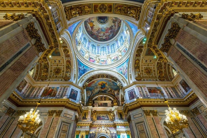 Εσωτερικό του καθεδρικού ναού Αγίου Isaac σε Άγιο Πετρούπολη στοκ φωτογραφία με δικαίωμα ελεύθερης χρήσης