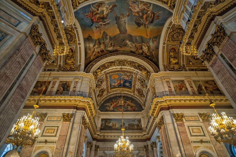 Εσωτερικό του καθεδρικού ναού Αγίου Isaac στη Αγία Πετρούπολη στοκ φωτογραφίες