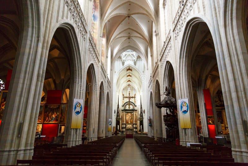 Εσωτερικό του καθεδρικού ναού της κυρίας μας στην Αμβέρσα στοκ εικόνα με δικαίωμα ελεύθερης χρήσης