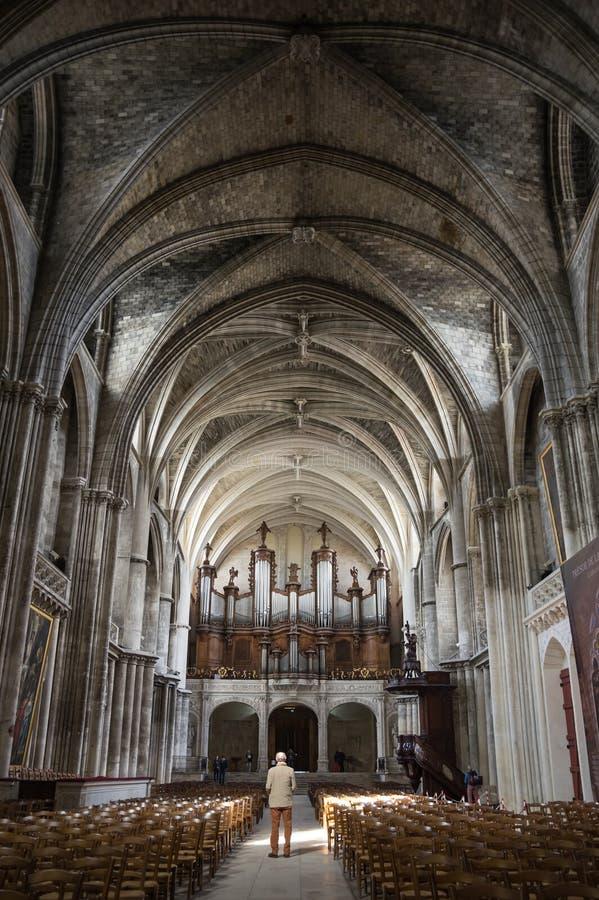 Εσωτερικό του καθεδρικού ναού του Μπορντώ στοκ φωτογραφία με δικαίωμα ελεύθερης χρήσης