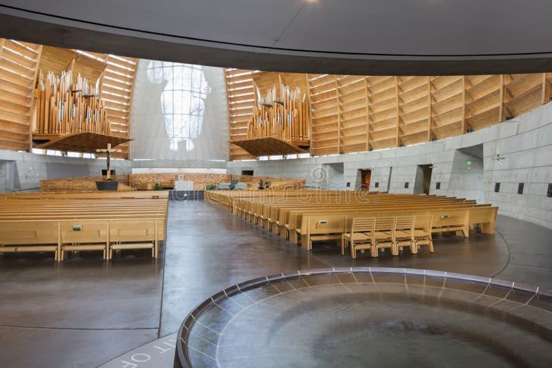 Εσωτερικό του καθεδρικού ναού του Όουκλαντ Χριστού το φως στοκ εικόνες