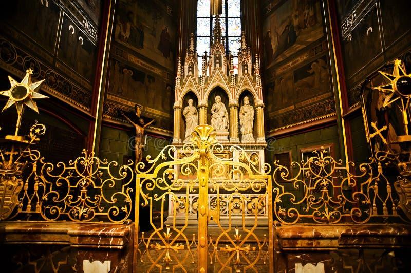 Εσωτερικό του καθεδρικού ναού του ST Vitus στην Πράγα στοκ εικόνα