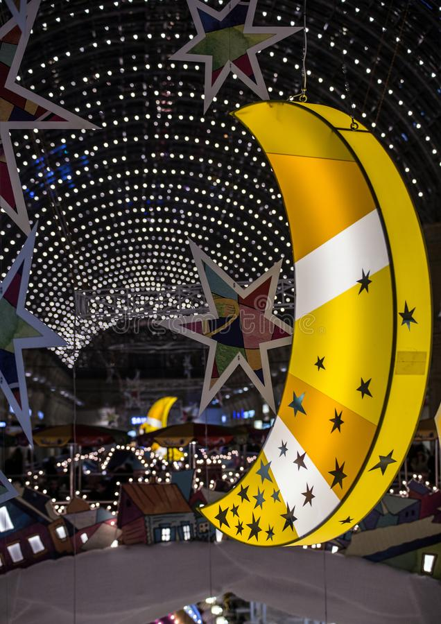 Εσωτερικό του κρατικού πολυκαταστήματος στη ΓΟΜΜΑ της Μόσχας Εορταστική διακόσμηση στο νέο έτος στη Μόσχα στοκ εικόνα με δικαίωμα ελεύθερης χρήσης