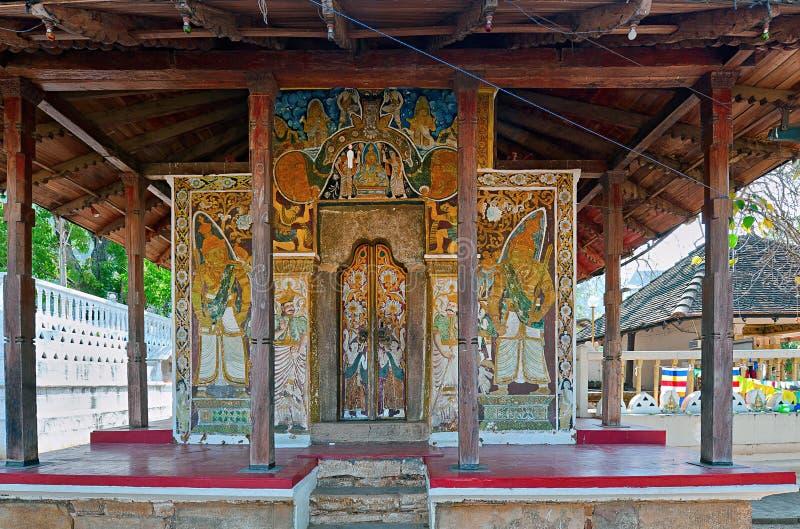 Εσωτερικό του ναού του ιερού λειψάνου δοντιών (Sri Dalada Maligwa) στην κεντρική Σρι Λάνκα στοκ εικόνες με δικαίωμα ελεύθερης χρήσης