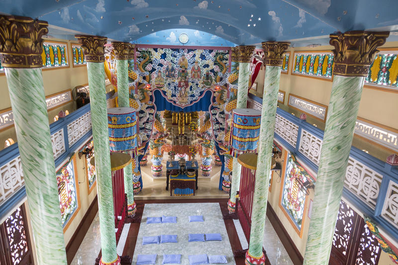 Εσωτερικό του ναού Caodaist στο Ho Chi Minh, Βιετνάμ στοκ φωτογραφίες