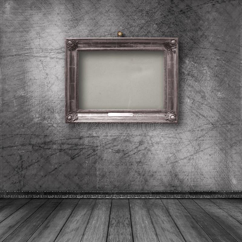 Εσωτερικό του παλαιού δωματίου με το ξύλινο χρυσό πλαίσιο στοκ φωτογραφία με δικαίωμα ελεύθερης χρήσης
