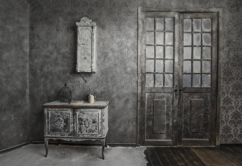 Εσωτερικό του παλαιού εγκαταλειμμένου σπιτιού στοκ φωτογραφίες με δικαίωμα ελεύθερης χρήσης