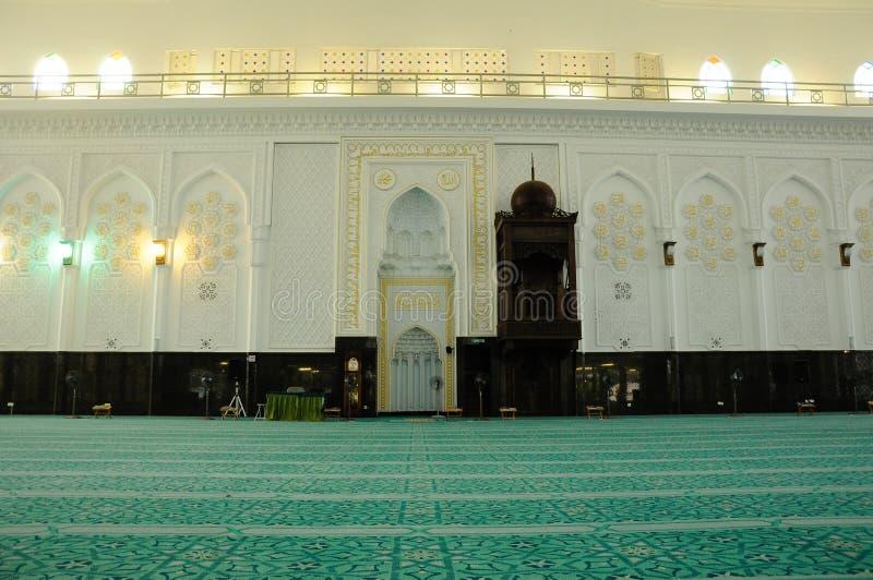 Εσωτερικό του σουλτάνου Abdul Samad Mosque (μουσουλμανικό τέμενος KLIA) στοκ εικόνα με δικαίωμα ελεύθερης χρήσης