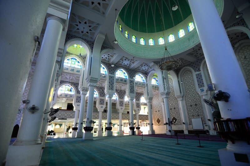 Εσωτερικό του σουλτάνου Ahmad Shah 1 μουσουλμανικό τέμενος σε Kuantan στοκ εικόνα