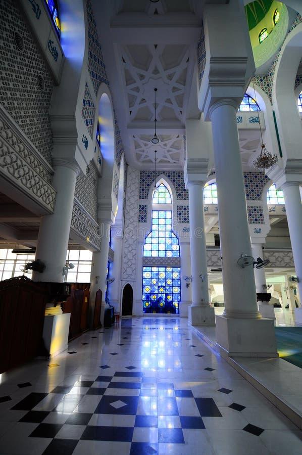 Εσωτερικό του σουλτάνου Ahmad Shah 1 μουσουλμανικό τέμενος σε Kuantan στοκ εικόνες με δικαίωμα ελεύθερης χρήσης