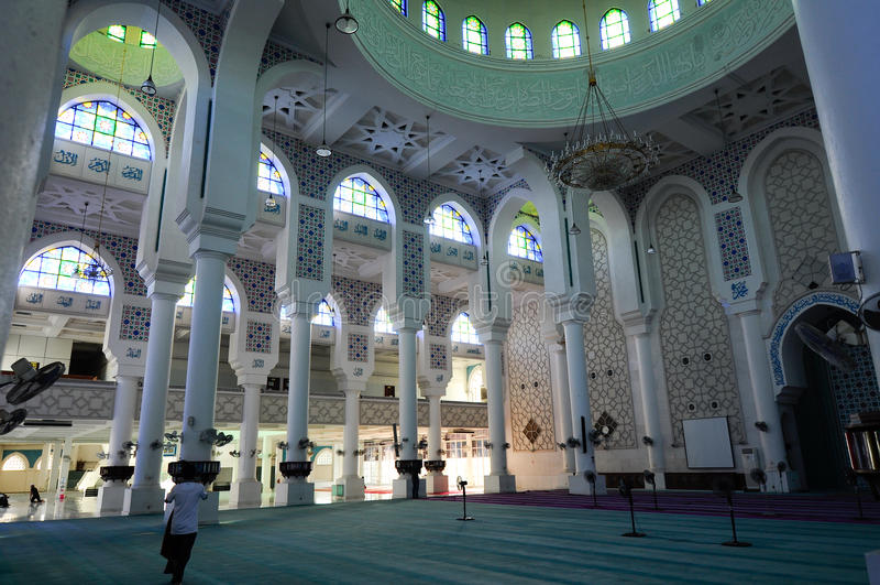 Εσωτερικό του σουλτάνου Ahmad Shah 1 μουσουλμανικό τέμενος σε Kuantan στοκ φωτογραφίες με δικαίωμα ελεύθερης χρήσης