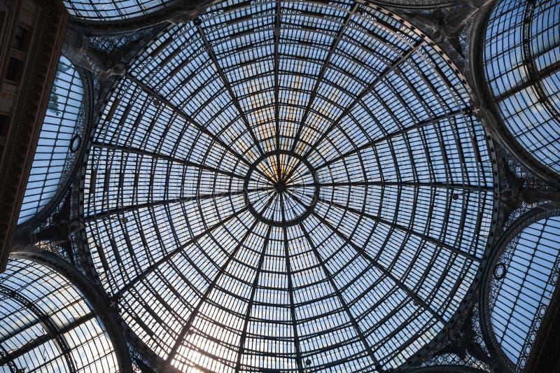 Εσωτερικό του Umberto I Galleria, θόλος στεγών γυαλιού στοκ φωτογραφίες με δικαίωμα ελεύθερης χρήσης