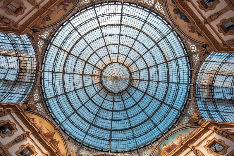 Εσωτερικό του Vittorio Emanuele ΙΙ στοά, τετραγωνικό Duomo, στο τ στοκ φωτογραφία