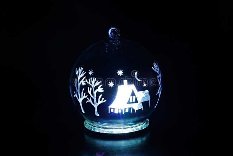 Εσωτερικό luminescence του παιχνιδιού του νέου έτους στοκ φωτογραφία με δικαίωμα ελεύθερης χρήσης
