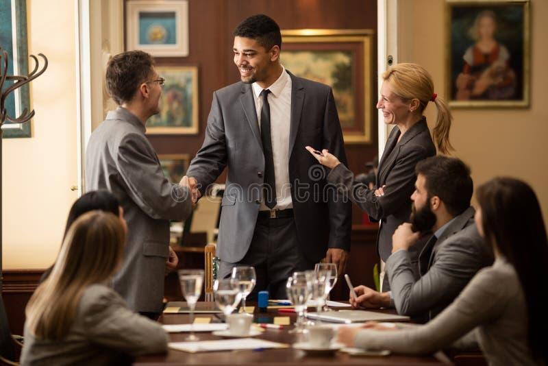Εταιρική έννοια συζήτησης διασκέψεων συνεδρίασης των επιχειρηματιών στοκ εικόνες