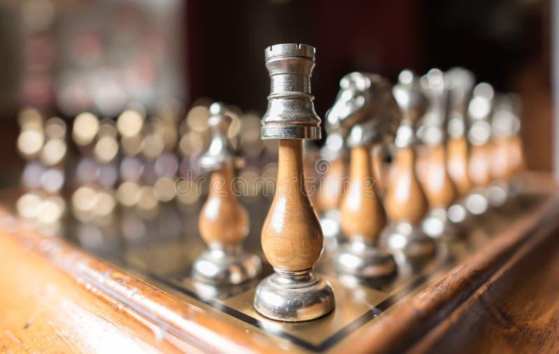 Ευθυγραμμισμένα κομμάτια σκακιού στοκ φωτογραφία με δικαίωμα ελεύθερης χρήσης