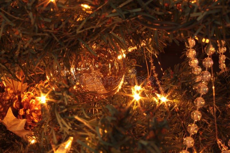 λευκό απομόνωσης ντεκόρ Χριστουγέννων στοκ φωτογραφία