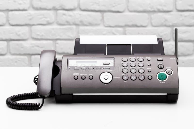 λευκό μηχανών απεικόνισης fax ανασκόπησης στοκ φωτογραφία