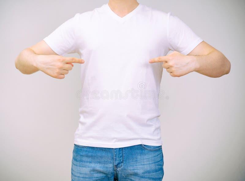 λευκό πουκάμισων τ ατόμων στοκ φωτογραφίες με δικαίωμα ελεύθερης χρήσης