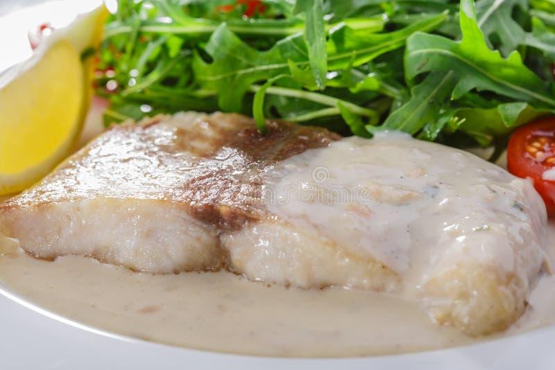 λευκό σάλτσας ψαριών λωρί& στοκ εικόνες με δικαίωμα ελεύθερης χρήσης