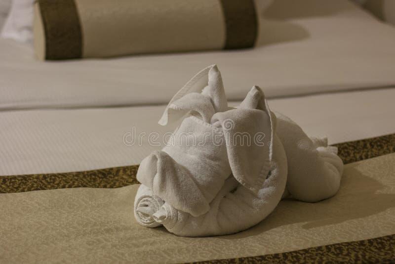 Ευπρόσδεκτη πετσέτα σκυλιών στοκ εικόνες με δικαίωμα ελεύθερης χρήσης