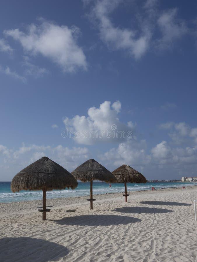 Ευπρόσδεκτη παραλία Cancun, Λα Isla Dorado, Μεξικό στοκ φωτογραφία με δικαίωμα ελεύθερης χρήσης