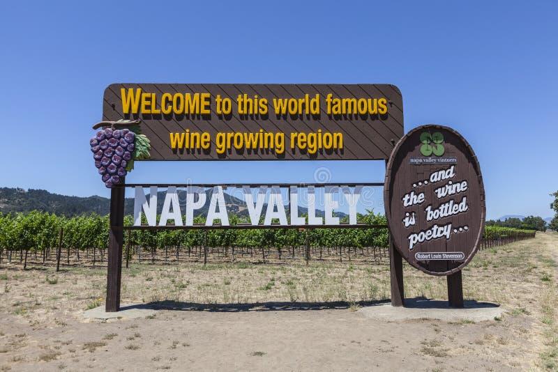 Ευπρόσδεκτο σημάδι Καλιφόρνιας κοιλάδων Napa στοκ φωτογραφίες με δικαίωμα ελεύθερης χρήσης