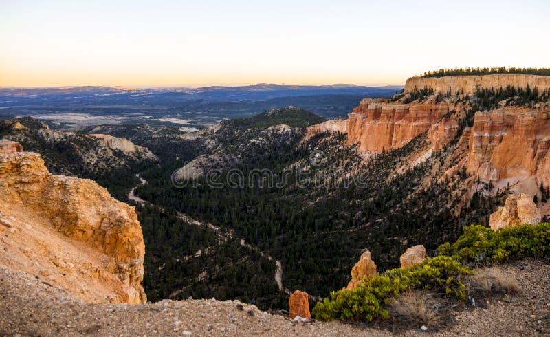 Ευρεία άποψη γωνίας πέρα από το φαράγγι του Bryce στη Γιούτα στοκ εικόνα με δικαίωμα ελεύθερης χρήσης