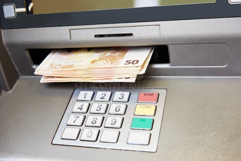 Ευρο- ανάληψη μετρητών στοκ φωτογραφία