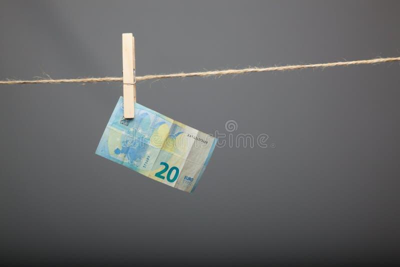 Ευρο- νόμισμα της νομικής προσφοράς, για να αγοράσει μέσα την αγορά στοκ εικόνα με δικαίωμα ελεύθερης χρήσης
