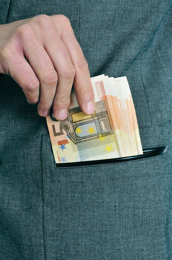 Ευρο- λογαριασμοί στην τσέπη στοκ φωτογραφίες