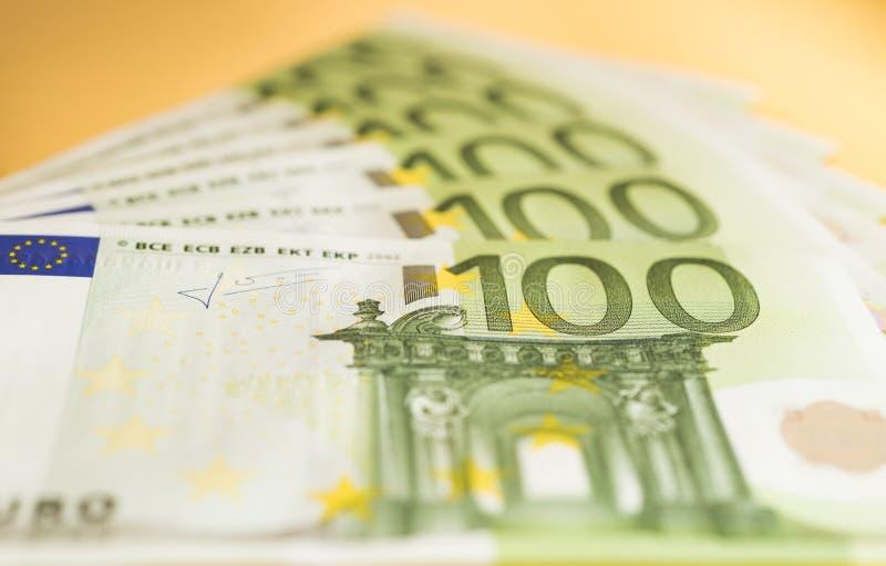 100 ευρο- λογαριασμοί στοκ εικόνα