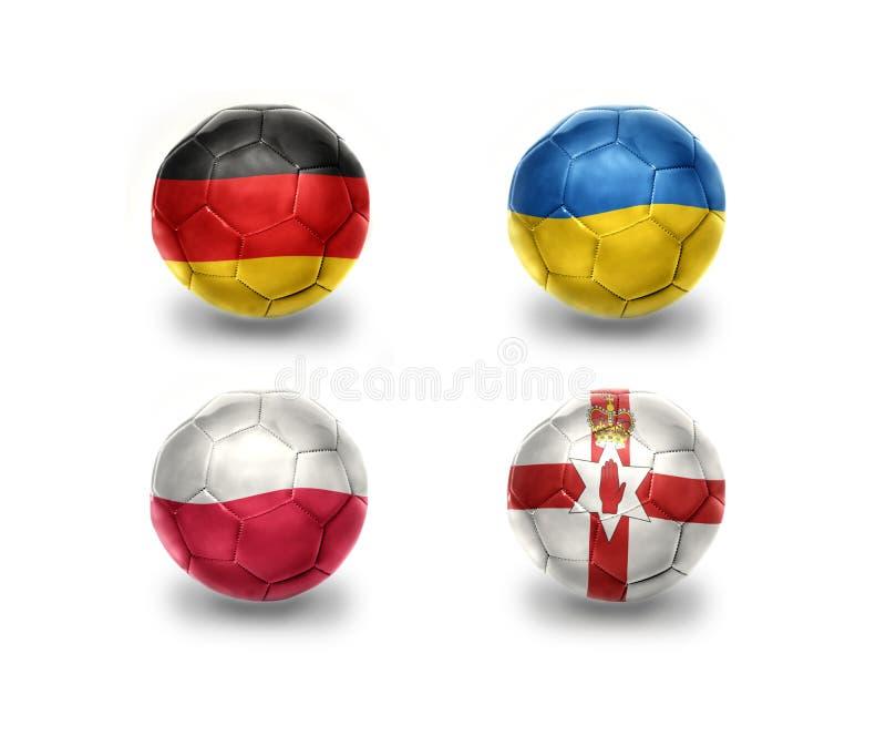 Ευρο- ομάδα Γ σφαίρες ποδοσφαίρου με τις εθνικές σημαίες της Γερμανίας, Ουκρανία, Πολωνία, Βόρεια Ιρλανδία διανυσματική απεικόνιση