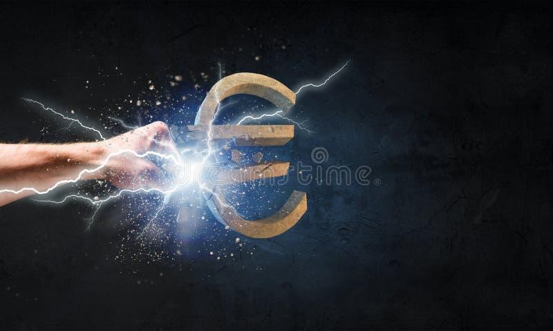 Ευρο- πτώση νομίσματος στοκ φωτογραφία με δικαίωμα ελεύθερης χρήσης