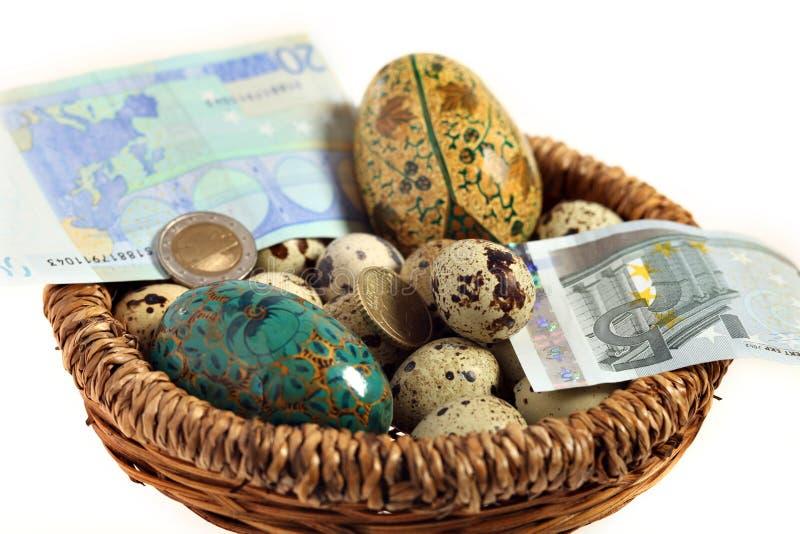 ευρο- φωλιά αυγών στοκ φωτογραφία με δικαίωμα ελεύθερης χρήσης