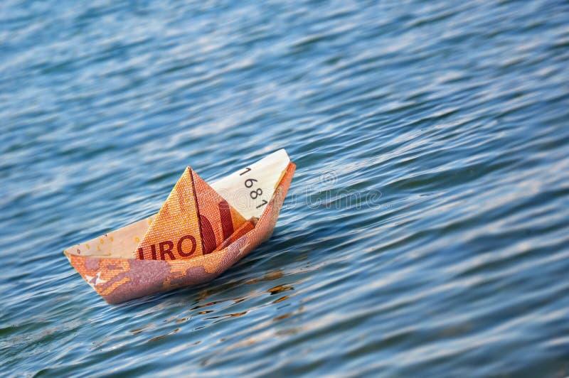 Ευρο- χρήματα Origami βαρκών στοκ εικόνες