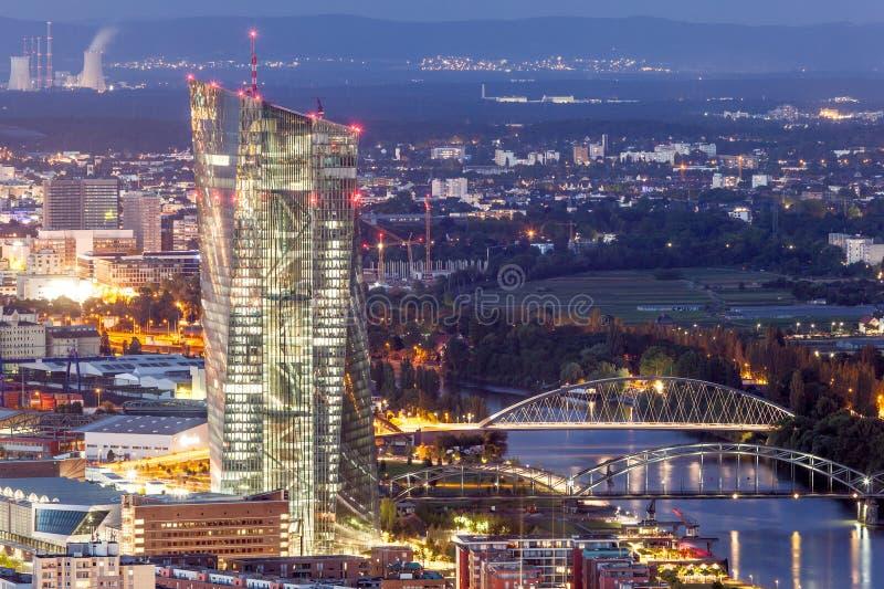 Ευρωπαϊκή Κεντρική Τράπεζα στον κεντρικό αγωγό της Φρανκφούρτης στοκ εικόνες