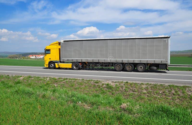 Ευρωπαϊκό φορτηγό στοκ εικόνες