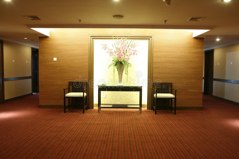 ευρύχωρο ξενοδοχείο διαδρόμων στοκ εικόνα