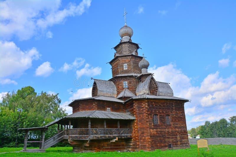 δευτερεύουσα πρόσοψη της εκκλησίας της μεταμόρφωσης του 19ου αιώνα στο μουσείο της ξύλινης αρχιτεκτονικής στο Σούζνταλ, Ρωσία στοκ φωτογραφία