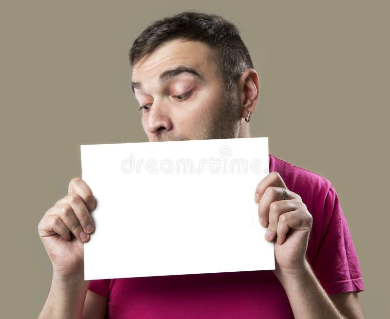 Ευτυχές άτομο με την άσπρη αφίσσα στοκ εικόνες