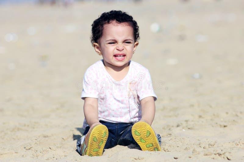 Ευτυχές αραβικό κοριτσάκι στοκ φωτογραφία με δικαίωμα ελεύθερης χρήσης