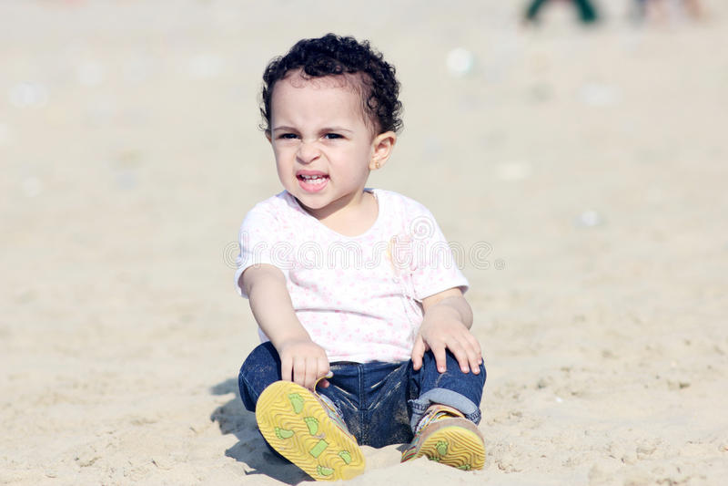 Ευτυχές αραβικό κοριτσάκι στοκ εικόνα με δικαίωμα ελεύθερης χρήσης